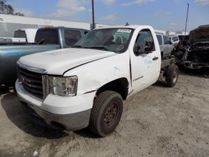 2009 GMC Sierra 6.0L (PARTING OUT) for Sale in Fontana, CA