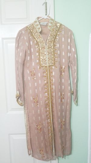Pink and gold Pakistani shalwar kameez for Sale in Alexandria, VA