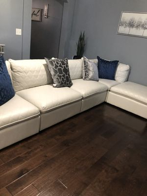 Amazing White Leather tufted soda with chaise! Relaxation for Royalty! Must go by Sunday! for Sale in Atlanta, GA
