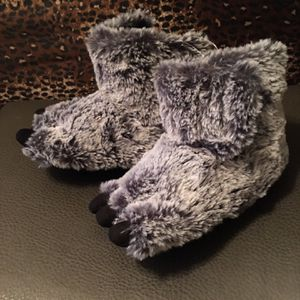 Toddler Bear Feet Slippers for Sale in Anaheim, CA