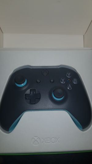 Xbox Controller Teal-Green for Sale in Los Angeles, CA