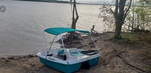 Pedal boat for Sale in Plano, TX