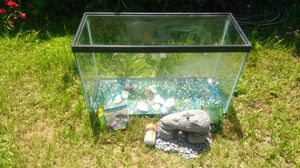 20 gallons fish tank for Sale in San Diego, CA