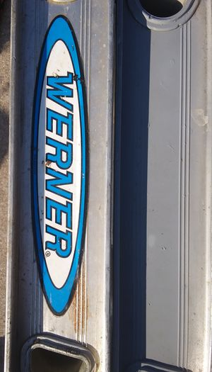 MADE IN U.S.A WERNER 24 FOOT LADDER for Sale in East Peoria, IL