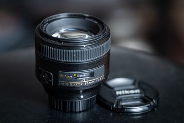 Nikon 85mm 1.8G Lens for Sale in Pittsburgh,  PA
