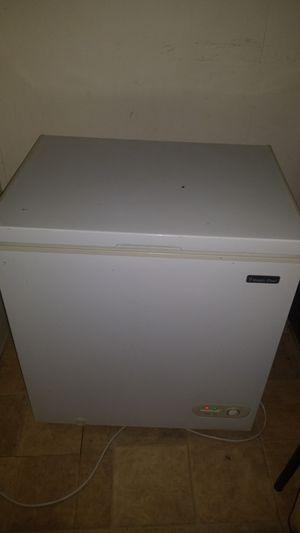 Magic chef freezer for Sale in El Cajon, CA