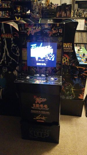 Final fight arcade 1up w/1944, ghosts 'n goblins and strider with riser for Sale in Glendale, AZ