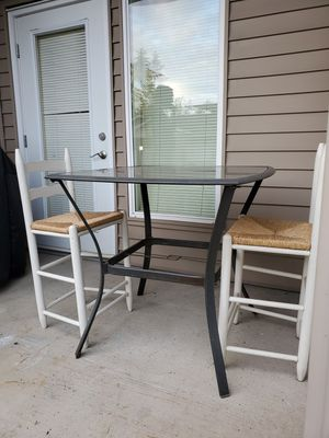 Outdoor table and chairs for Sale in Auburn, WA