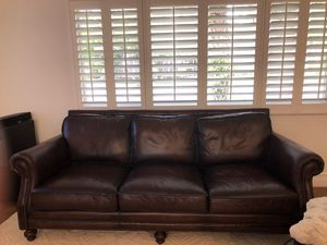 100% Brown Leather Couch for Sale in Pembroke Pines, FL