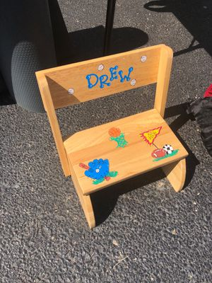 DREW kids custom chair & STEP STOOL for Sale in Northbrook, IL