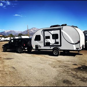 2019 Forest River R pod 180/Outside kitchen/solar panels for Sale in Santa Ana, CA