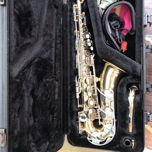 Saxophone Alto (Yamaha) for Sale in Wixom, MI