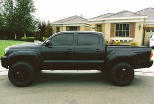 FOR SALE 4WD 2007 Toyota Tacoma Awesome Tractioon for Sale in Newark, NJ
