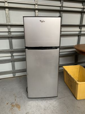 Whirlpool Mini Refrigerator for Sale in Boca Raton, FL