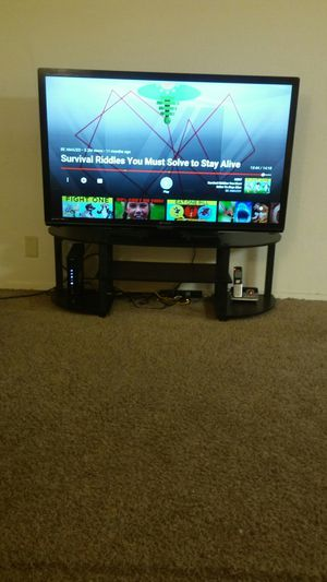 Emerson 45 inches hdmi led tv with table for Sale in Tracy, CA