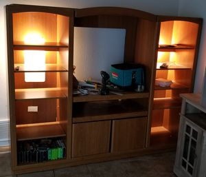 Entertainment center/ TV stand for Sale in Saginaw, TX