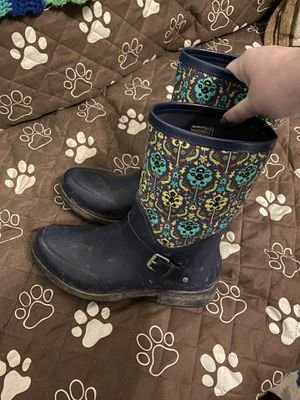 Woman's UGG rain boots (size 11) for Sale in Addison, IL