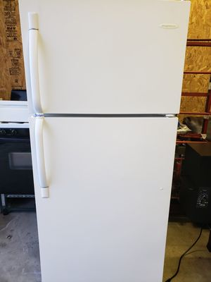 GE REFRIGERATOR for Sale in New Holland, PA