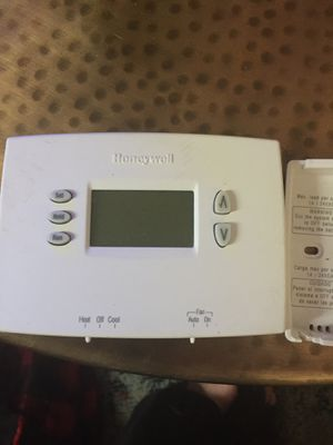 New Honeywell Thermostat - 7 day programmable for Sale in Cedar Park, TX