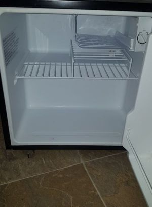 $75 Mini Fridge 3 months old since I bought it brand new. for Sale in Hayward, CA