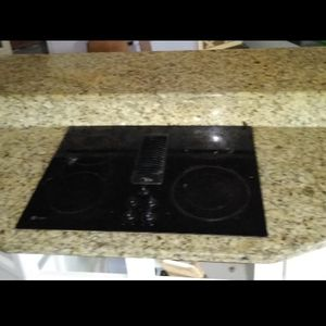 Island Granite Raised Bar Built In Cook Top for Sale in West Columbia, SC