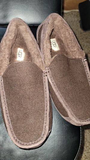 Ugg mens slippers for Sale in Lathrop, CA