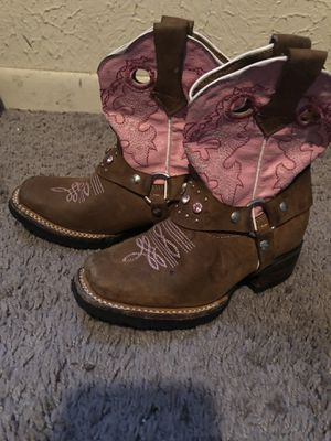 Girls boots size 7 for Sale in Dallas, TX
