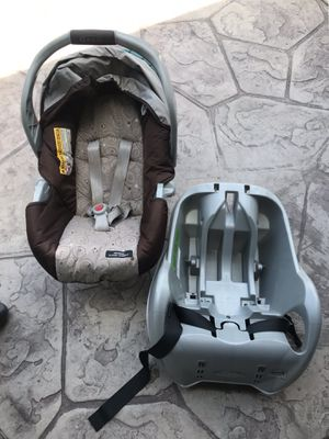 Graco infant car seat (very clean barely used). Must see today because I'm going back to Seattle for Sale in HUNTINGTN BCH, CA