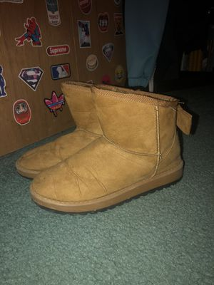 UGG Women's Boots Size 9 for Sale in Ruffs Dale, PA