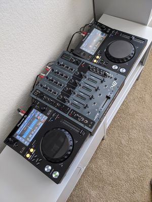 Pioneer XDJ 700 Set for Sale in Arvada, CO