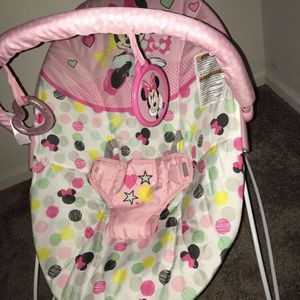 NEW IN BOX MINNIE MOUSE BOUNCER BABY CHAIR for Sale in Hyattsville, MD