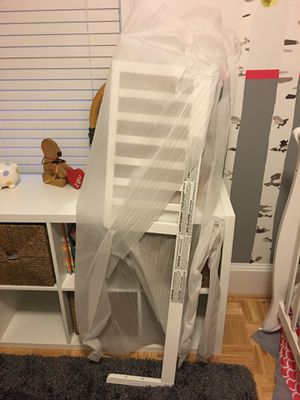 Covertiable crib basically new never used! for Sale in Boston, MA
