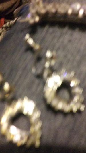 Pearls & Heart shape set Real not brass or Cooper not stanless Grab bag of antique earrings for unpirced ears. Screw on for Sale in Phoenix, AZ
