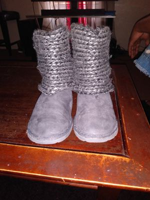 Girls size 13 sweater boots good condition Asking $5 for Sale in Dallas, TX