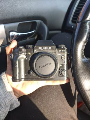 Fujifilm X-T1 APS-C Mirroless Camera for Sale in Pasadena, CA
