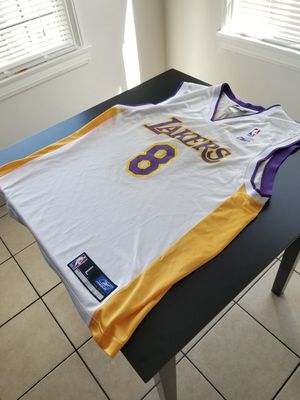 Authentic Reebok Kobe Bryant 8 White 81 Points Jersey Size Large L for Sale in Los Angeles, CA