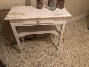 Shabby chic table desk for Sale in Shaker Heights, OH
