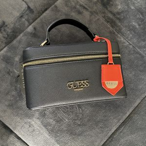 Guess Crossbody Bag for Sale in Long Beach, CA