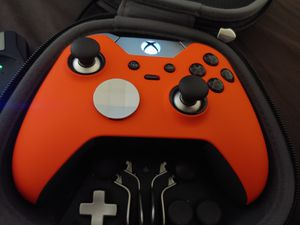 Xbox one elite controller for Sale in Las Vegas, NV