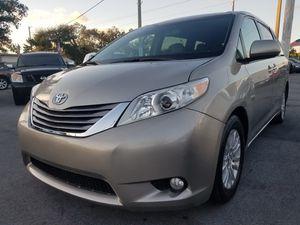 (2015 Toyota Sienna XLE Premium 8 Passenger Mini-Van Automatic Transmission)(CLEAN TITLE) for Sale in Miami, FL