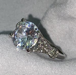 ONLY SIZES 7 AVAILABLE. Ring Lab Simulated 3.0 Carat. New. Size 7. Silver plated, with luxurious velvet gift box. CASH ONLY NO TRADES. DELIVERY CLEVE for Sale in Cleveland, OH