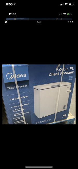 New sealed Midea 7.0 cu. ft. Deep Chest Freezer 7 cubic feet white energy efficient for Sale in Fontana, CA