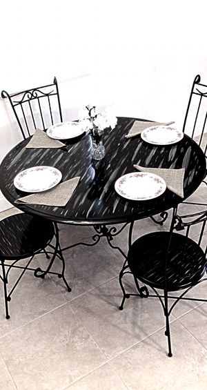 Luxury dining table and 4 chairs SET for Sale in Delray Beach, FL