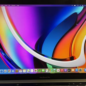 MacBook Pro 2017 TOUCH BAR & ID for Sale in Lehigh Acres, FL