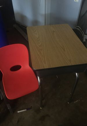 Kids Desk for Sale in Garden Grove, CA