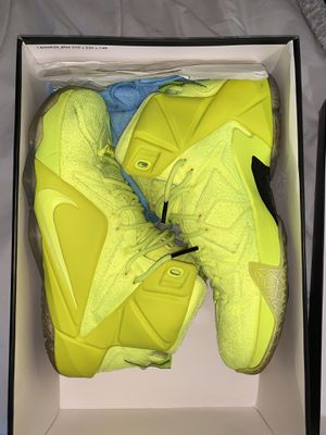 Lebron 9 elite tennis balls ! NBA Nike Jordan's adidas for Sale in Woodbridge Township, NJ