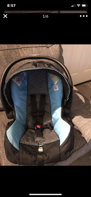 Evenflo car seat and base for Sale in Arvada, CO