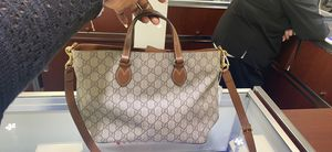 Gucci Womans bag w/papers for Sale in Charlotte, NC