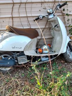 Honda and Yamaha Scooters For parts Only for Sale in VA,  US