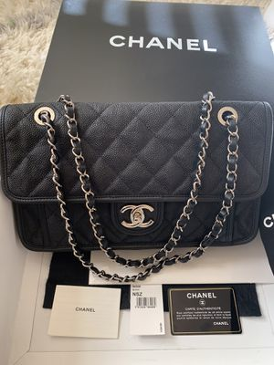 Chanel flap bag jumbo for Sale in Seattle, WA